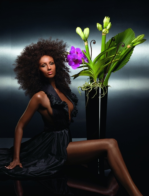 PHOTOS FROM THE VAULT SUPERMODEL IMAN IN RUBIN SINGER'S DESIGNS