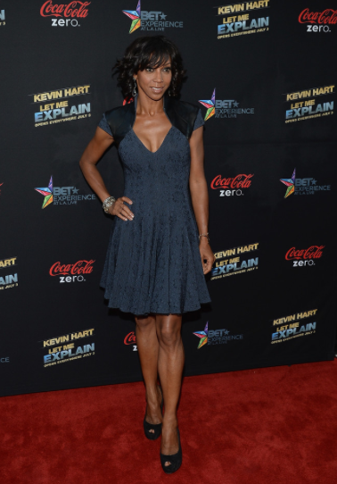 HOLLY ROBINSON PEETE ATTENDED A LOS ANGELES PREMIERE WEARING RUBIN SINGER