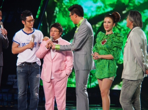 COCO LEE 李玟 ASIA'S POP DIVA WEARS RUBIN SINGER AT CHINESE IDOL ON DRAGON TV