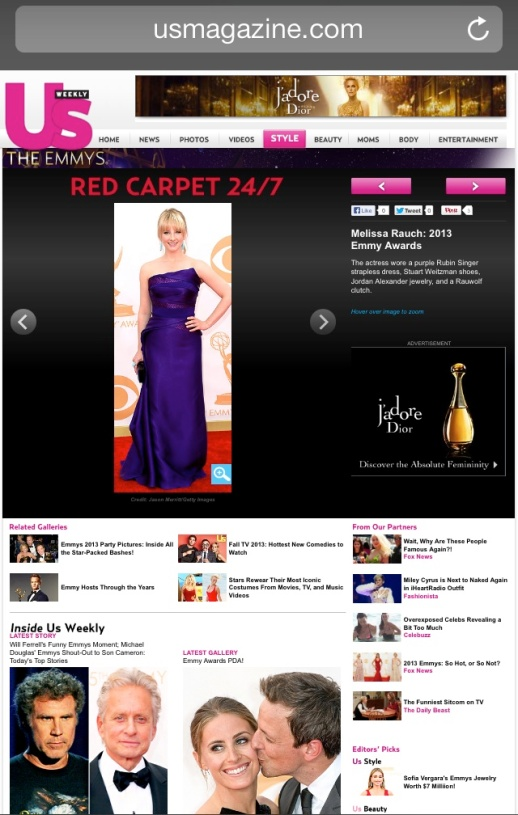 US Magazine barfitoarea.ro Press Clipping Melissa Rauch wearing Rubin Singer at 65th EMMY Awards Red Carpet